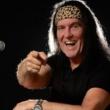Dave Evans, ex-vocalista da banda AC/DC, se apresenta em show exclusivo no palco do Hard Rock Cafe Fortaleza