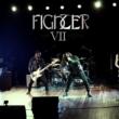 """Fighter: música do EP """"Rise"""" ganha versão ao vivo. Confira vídeo"""