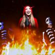 """Vicky Psarakis: Confira o hilário clipe de """"Vampira"""""""