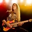 Guitarrista Alex Meister cria didática para o aprendizado de guitarra
