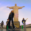 School of Rock leva Rock'n'Roll para o Cristo Redentor