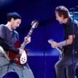 Pearl Jam faz primeiro show em mais de três anos e anuncia Josh Klinghoffer como guitarrista de turnê